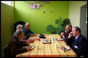 Pause déjeuner aux Journées du Patrimoine dans la salle de pause des ateliers.