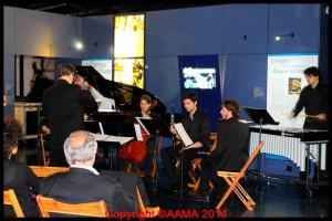 L'orchestre dans le hall de l'Espace.
