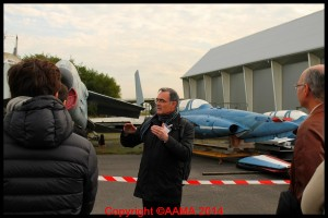 Notre guide Alain aux réserves lors des Aéropuces 2013.