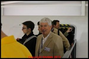 Notre guide Jean-pierre à la sortie du Concorde.