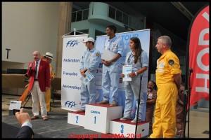 L'étape régionale : Elisa Dubois en troisième place, Maxime Alirot en deuxième et en premier Adjmal Allymun. Le prix est remis par Raoul Gaillard du CRA de l'Ile-de-France.