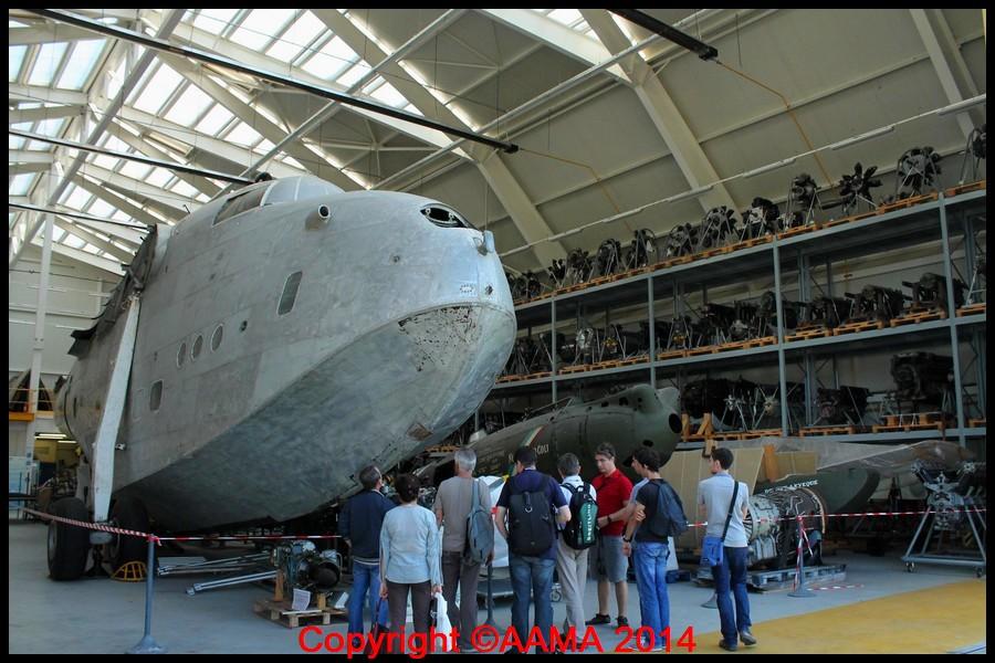 Le hangar des Ailes de la Ville avec le Bermuda