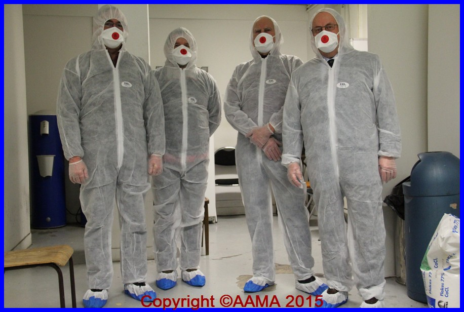 Le commando prêt à intervenir. De gauche à droite : Alain Rolland, Jean-Luc Claessens, Michel Liebert et François Chouleur. Il fallait le deviner !