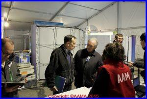 Le général Vitry en visite au stand de l'AAMA et de l'équipe Concorde
