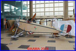 Le Nieuport 11 sans roues ni ailes