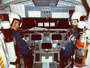 Fred Haise, Charles Fullerton, cockpit d'Enterprise, OV-101