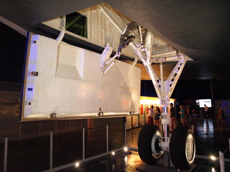 Enterprise, OV-101, Intrepid, Porte-avion, Museum, New York, Manhattan, Train d'atterrissage droit, juillet 2016